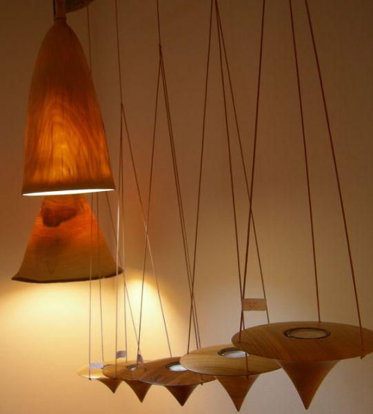 gedrechselte Holzlampen
